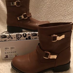 Brown faux leather boots with gold accents Size 8